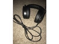 Corsair hs50 PS4/PC headphones (hardly used)