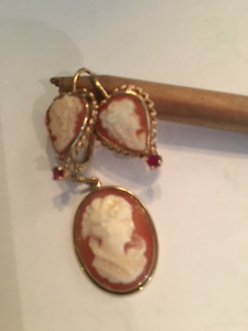 Cameo earrings and pendent set in 14k gold