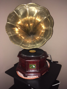 His Masters Voice Gramophone Replica