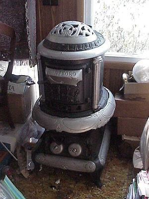 Antique HARTFORD Pot Belly Cast Iron Stove #22 NICE for Man Cave Parlor Potbelly