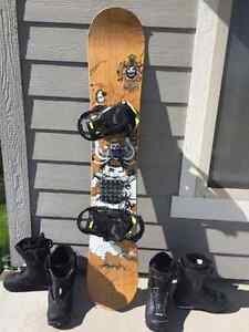 Salomon Snowboard (159cm) and boots COMBO