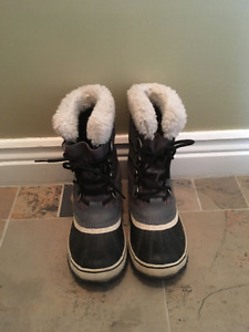 Size 5 Sorel Winter Boots