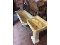 Bath Tub in cast iron and enamel plus pedestal basin