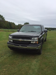 FOR SALE: 2005 Chevrolet Silverado   1500 4x4  5.3L