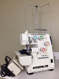 Singer 14U44 overlock sewing machine (serger)