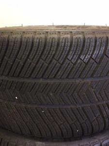 Winter tires 4 Michelin Pilot Alpins.