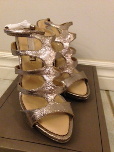 BCBGMAXAZRIA ALL LEATHER SHOES - NEW