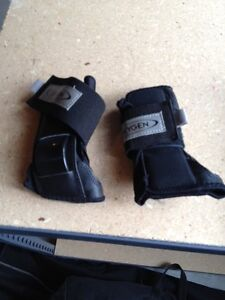 Oxygen roller blade hand guards Kawartha Lakes Peterborough Area image 1