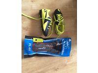 Football boots Sondico size c11 and xxs Sondico shin pads