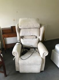 Reclining chair 2 years old with single motor mechanism in Floral Oyster fabric, excellent condition