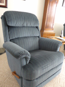 La-Z-Boy recliner/ chairs/loveseat/chesterfield. & Recliner | Buy or Sell Chairs u0026 Recliners in Red Deer | Kijiji ... islam-shia.org
