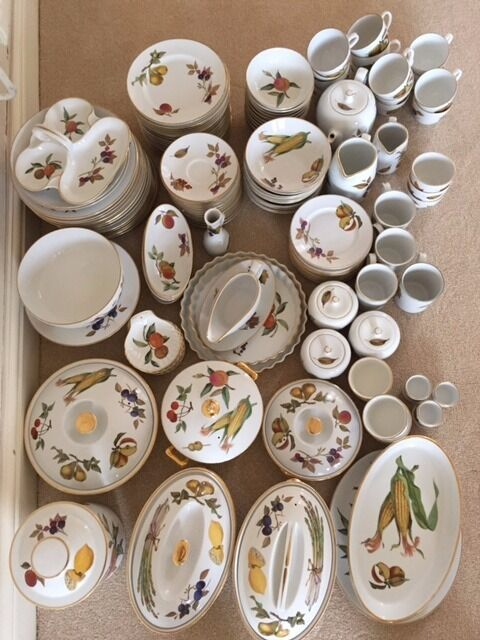 Bon Huge Joblot *ROYAL WORCESTER EVESHAM GOLD* 140+ Pieces Oven To Tableware  Dinner Service