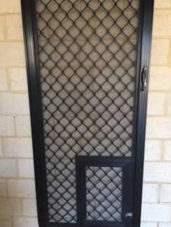Flywire door with Doggy door & Want to buy clips for flywire screen | Building Materials | Gumtree ...