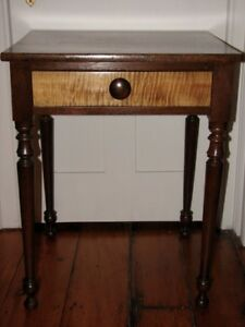 Antique 19th Century Sheraton Walnut Lamp Table With Tiger Maple
