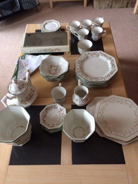 Eternal Beau Dinner Set & Eternal Beau Dinner Set | in Christchurch Dorset | Gumtree