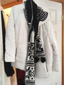 White reversible Pennington's jacket & scarf size 20