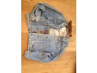 Levi Denim Jacket size M Vintage Trucker Style Padded