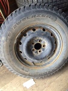 4 WINTER TIRES ON RIMS // NISSAN ROGUE.. 225/75 R16  $500