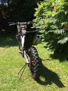 Motoctross crf 450r 2008 special édition.