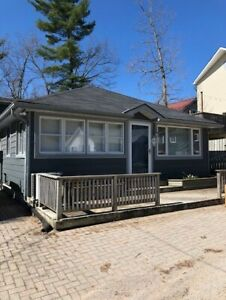 GRAND BEND COTTAGE RENTAL - STEPS FROM BEACH!