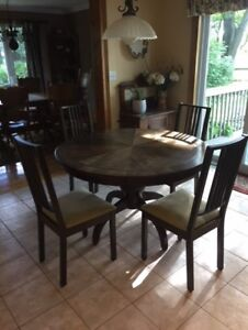 Wooden Table & (4) Chairs (Pedestal Base)