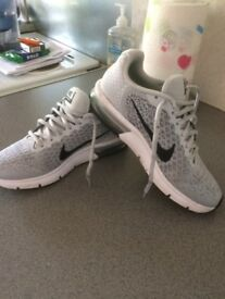 ladies nike air max trainers size 5