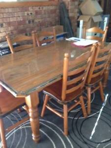 Colonial Wood Furniture Dining Table Set With 6 Chairs