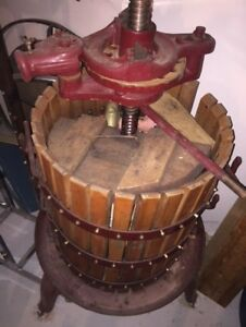 Wine Making Crusher Press and Bottle