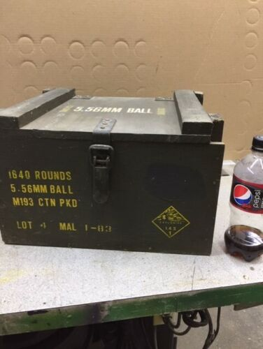 vintage wooden ammo box  Good Condition