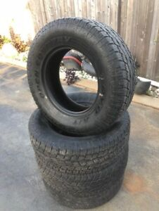 TOYO OPEN COUNTRY A/T 265 70 17 **LOTS OF TREAD**
