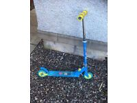 Kids foldable scooter - blue with yellow trims