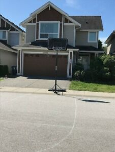$3100 / 4br - 2700ft2 - 4 bdrm, 3.5 bathrooms , 4 parking space