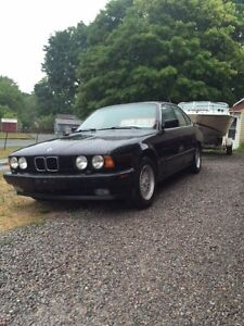 1993 BMW 5-Series 535i FULLY LOADED DRIVEN DAILY LOOKS GREAT!!
