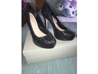As new Carvela sparkly occasion shoes size 6