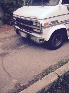 1993 Chevrolet G20 Van Minivan, Van