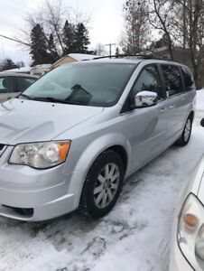SOLD 2008 Chrysler Town & Country Van  w/rear table/swivel