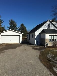 3 bedroom home with double car garage and huge private lot