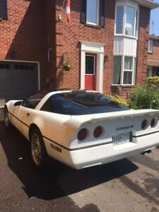 Very Clean 1990 Corvette! White with Black Leather Interior
