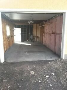 A single garage and a parking stall for rent in NW Edmonton