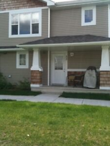 2 Bedrooms Townhouse for rent at Lakeland Ridge