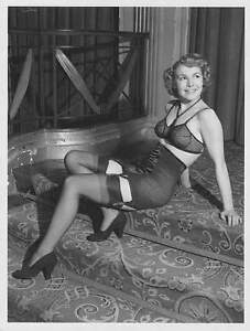 Collection of over 41,000 Vintage Pin-up pictures of ladies from the 40s/50s/60s