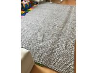 100% Wool Rug with knit effect (120 inch x 80 inch)