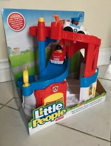 BRAND NEW FISHER-PRICE LITTLE PEOPLE RACE & CHASE RESCUE
