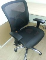 Staples Swivel Mesh Office Chair