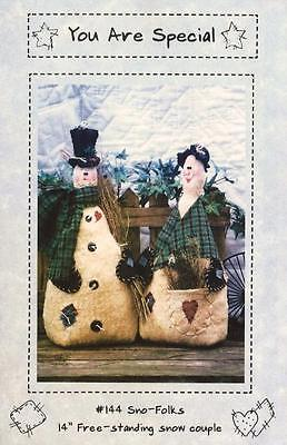 """14"""" Warm & Natural Sno -Folks standing couple Pattern # 144"""