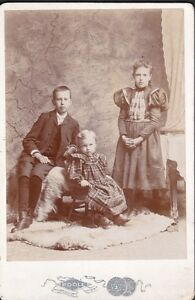 Ancienne photo cabinet 3 enfants par Poole Ste Catharines Ont