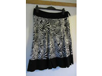 Ladies size 16, black and white patterned, fully lined linen skirt