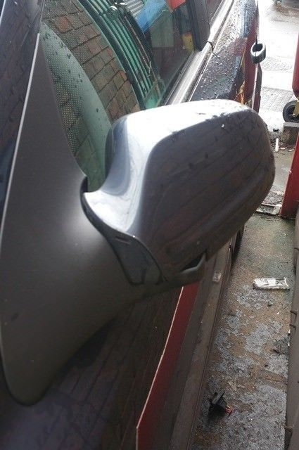 Vauxhall Astra Mk5 N/S Wing Mirror In Grey Colour (2006)