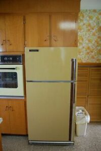 Wanted 1970's Era Fridge and Stove for TV Show