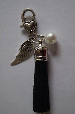 Modeschmuck Anhänger Charm Kettenanhänger mit Engelflügel Herz schwarze Quaste